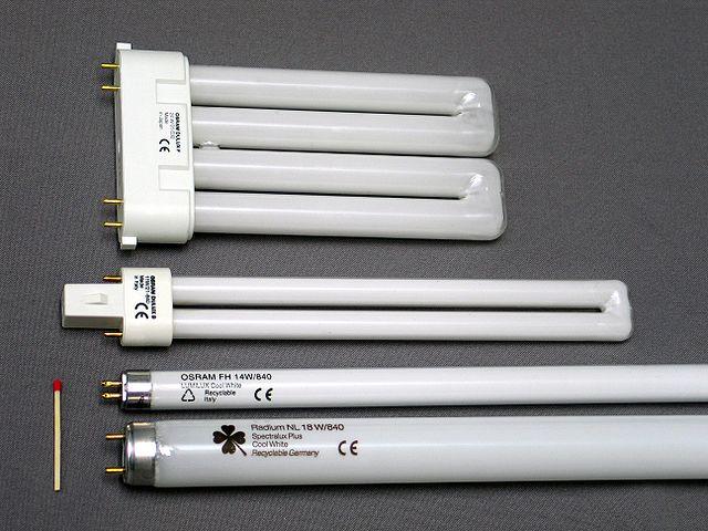 640px-Leuchtstofflampen-chtaube050409